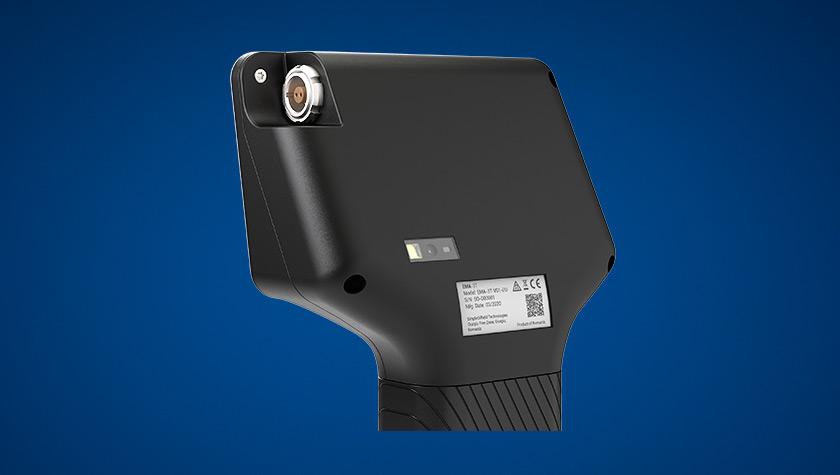 EMA-3T CloseUp Back-840x475
